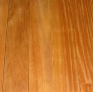 Instaladores de suelos de tarima de interior maciza de madera garapa - Tarima madera interior ...