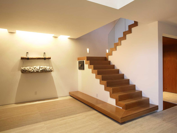 Escaleras de madera y mamperlanes for Materiales para escaleras