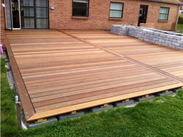 Instalaci n de tarima exterior de madera itauba - Tratamiento para madera de exterior ...