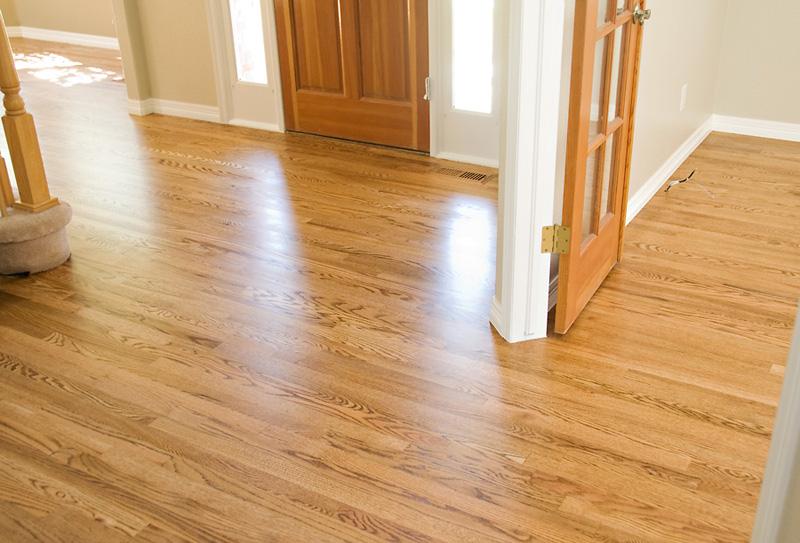 Instalaci n de suelos de parquet y tarima maciza de roble - Tarima madera interior ...
